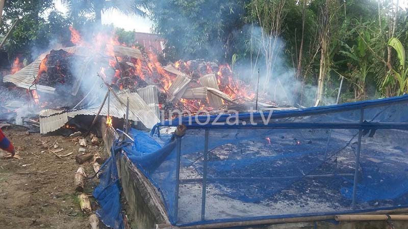 270317-kebakaran-gudang-kapuk