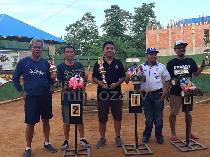 Adhan Tohopi (Juara 1) dan Maykel (Juara 2) Final Main B