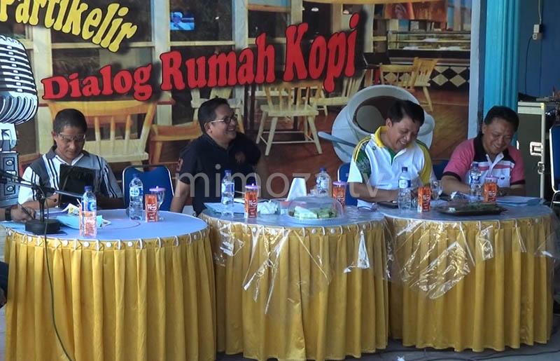 Walikota Gorontalo, Marten Taha saat Dialog Rumah Kopi
