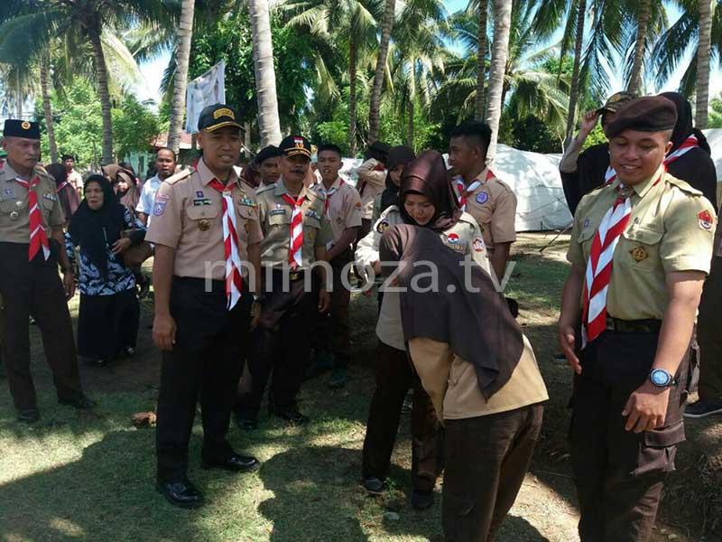 Ida Saidah Habibie & Letkol Inf.Dadang Ismail Marzuki bersama peserta