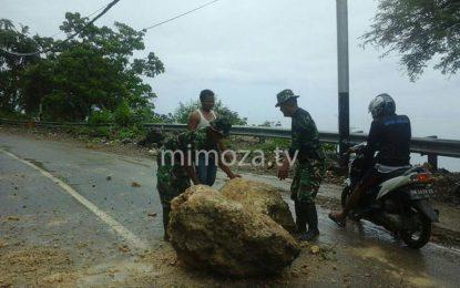 Longsor, Anggota TNI Kodim 1304 Terjun Langsung Ke Lokasi Kejadian