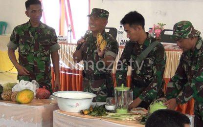 TNI Ajari Warga Buat Pupuk Organik Dalam Program TMMD