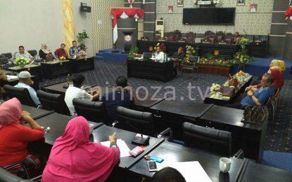 Tidak Terima Lapak Di Bongkar, Warga Adukan Diskoperindag Ke DPRD