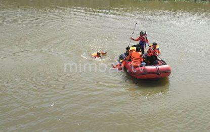 Tim Relawan BPBD Kabgor Evakuasi 2 Korban yang tenggelam Di Danau Limboto