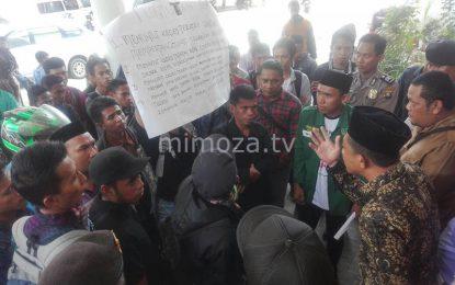 Merasa Dilecehkan, Puluhan Mahasiswa IAIN Menggelar Aksi Demo