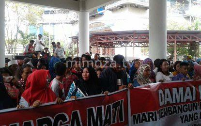Ratusan Warga Desak DPRD Batalkan Pemakzulan Terhadap Wakil Bupati Gorontalo