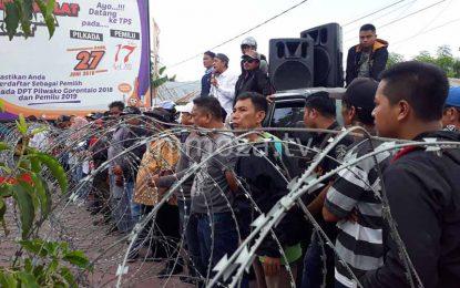 AMPK Kembali Gelar Unjuk Rasa Di Kantor KPU Kota Gorontalo