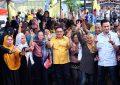 Antusias Warga Kota Barat Sambut Pasangan Matahari Saat Kampanye