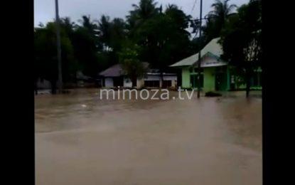 Diguyur Hujan Lima Jam, Dua Kecamatan Di Boalemo Terendam Banjir
