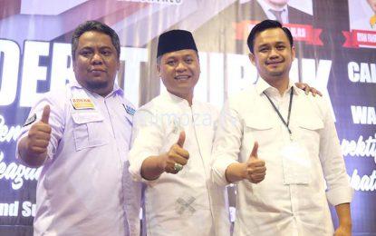 Ketiga Calon Wakil Wali Kota Akrab Usai Debat Publik