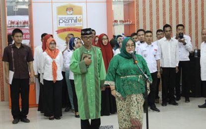 Stella Junus Jabat Komisioner KPU Kota Gorontalo